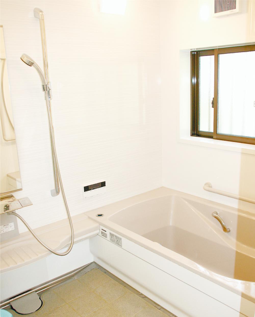 浴室を広げシステムバスに 「これで冬もあったかです」