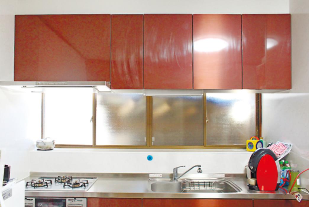 便利なキッチンで料理上手に 壁床天井も変え全体に明るく